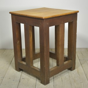 OAK SAFE STAND TABLE (12)CR