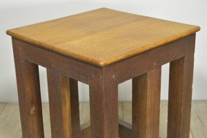 OAK SAFE STAND TABLE (14)