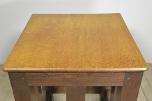 OAK SAFE STAND TABLE (4)