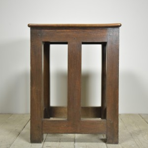 OAK SAFE STAND TABLE CR (2)